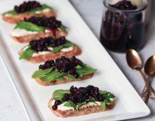 "Rustic Wild Blueberry Relish <em>with</em> Cashew ""Crema"" & Crostini"